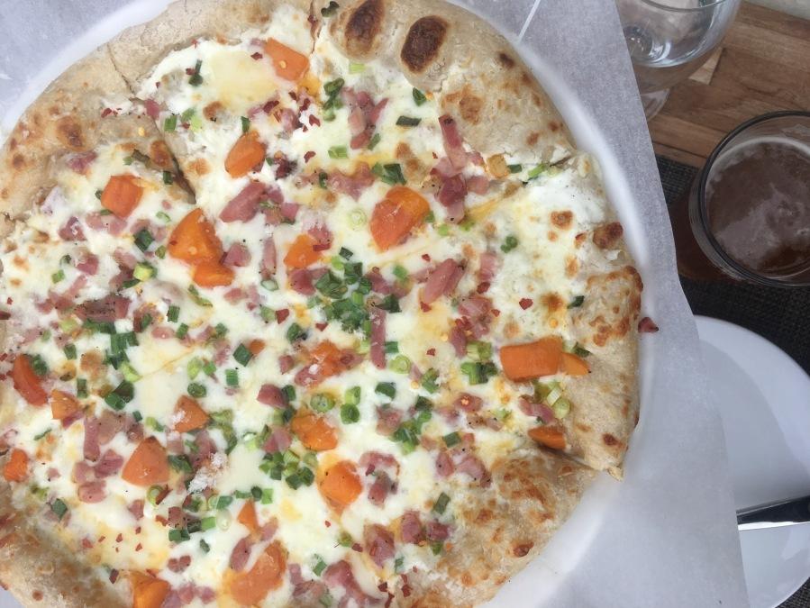 Calistoga Dining- Sam's Social Club pizza