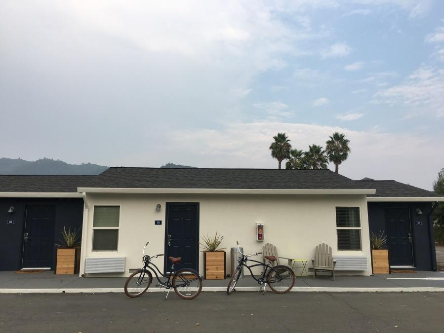 Calistoga Motor Lodge- bikes room